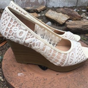 American Eagle Outfitters Shoes - EUC AEO White Lace Wedges Size 8, 3.5 inch heel